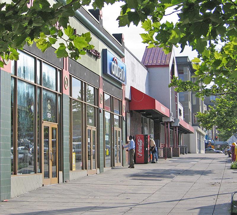 retailers shutting down how to take advantage